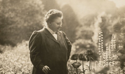 Amy Lowell photo