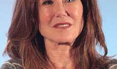Mary McDonnell photo