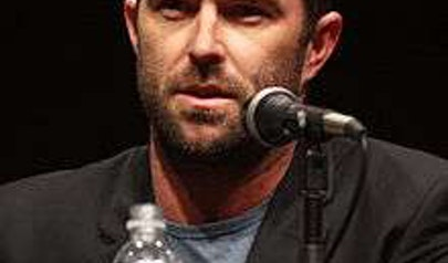 Sullivan Stapleton photo