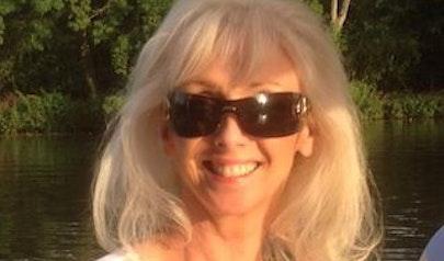 Debbie McGee photo
