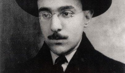 Fernando Pessoa photo
