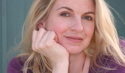 Jennifer Donnelly photo