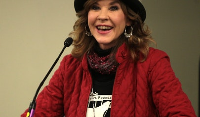 Linda Blair photo