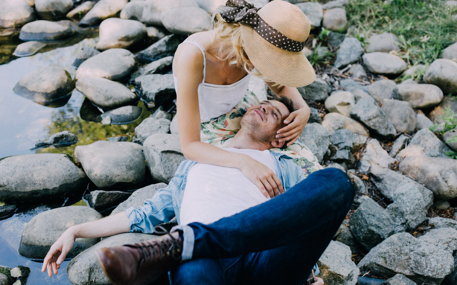 22 Ways He Says 'I Love You' Without Even Using Those Three Words