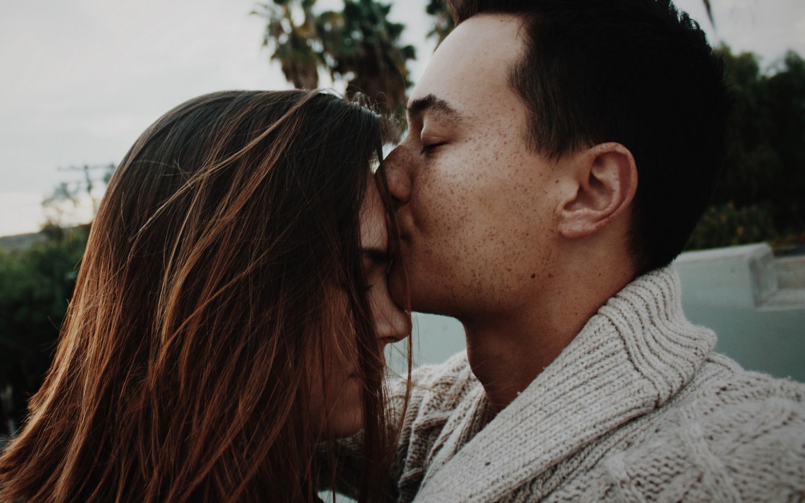 20 Quotes That Remind You An Almost Relationship Is The Last Thing
