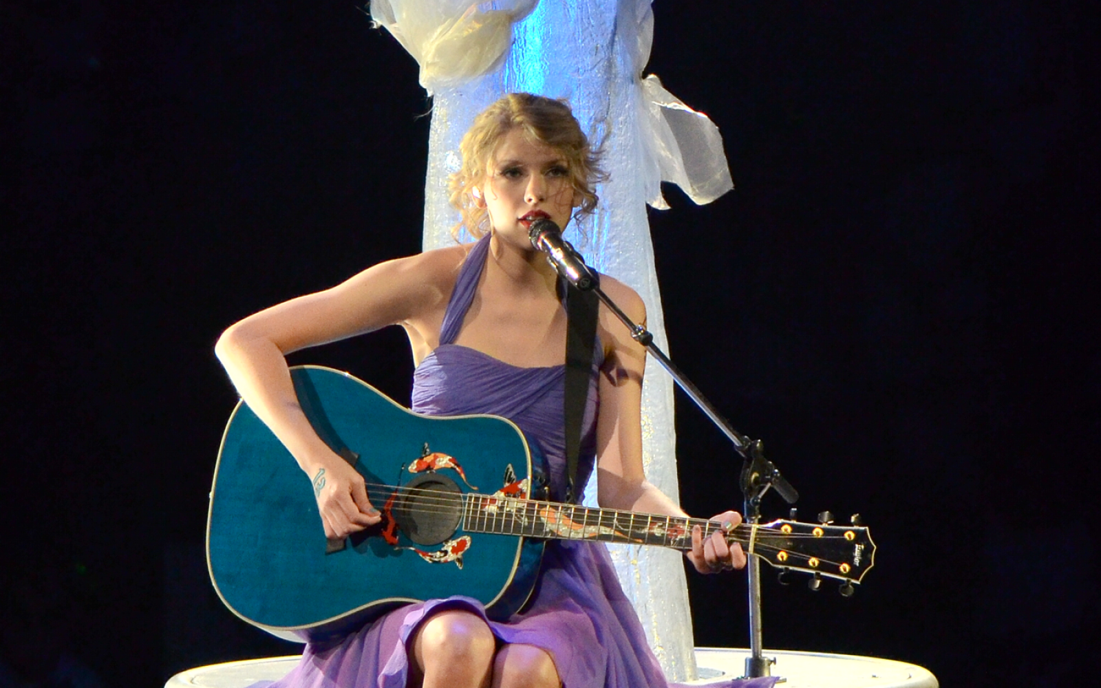 24 Times Taylor Swift Understood Our Breakup And Felt Through The Confusion That Is Tainted Love