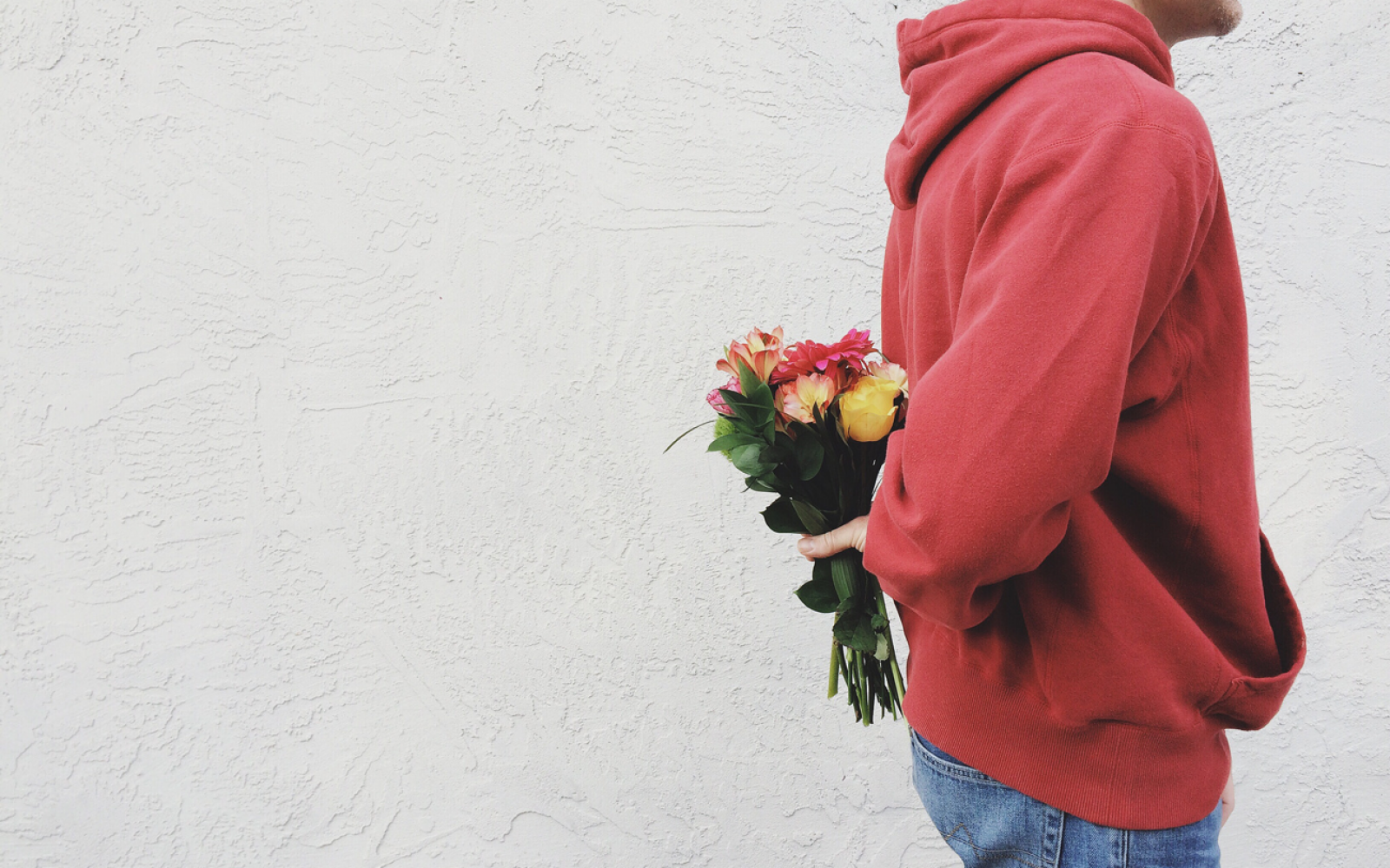 23 Ways To Get A Guy Wrapped Around Your Finger