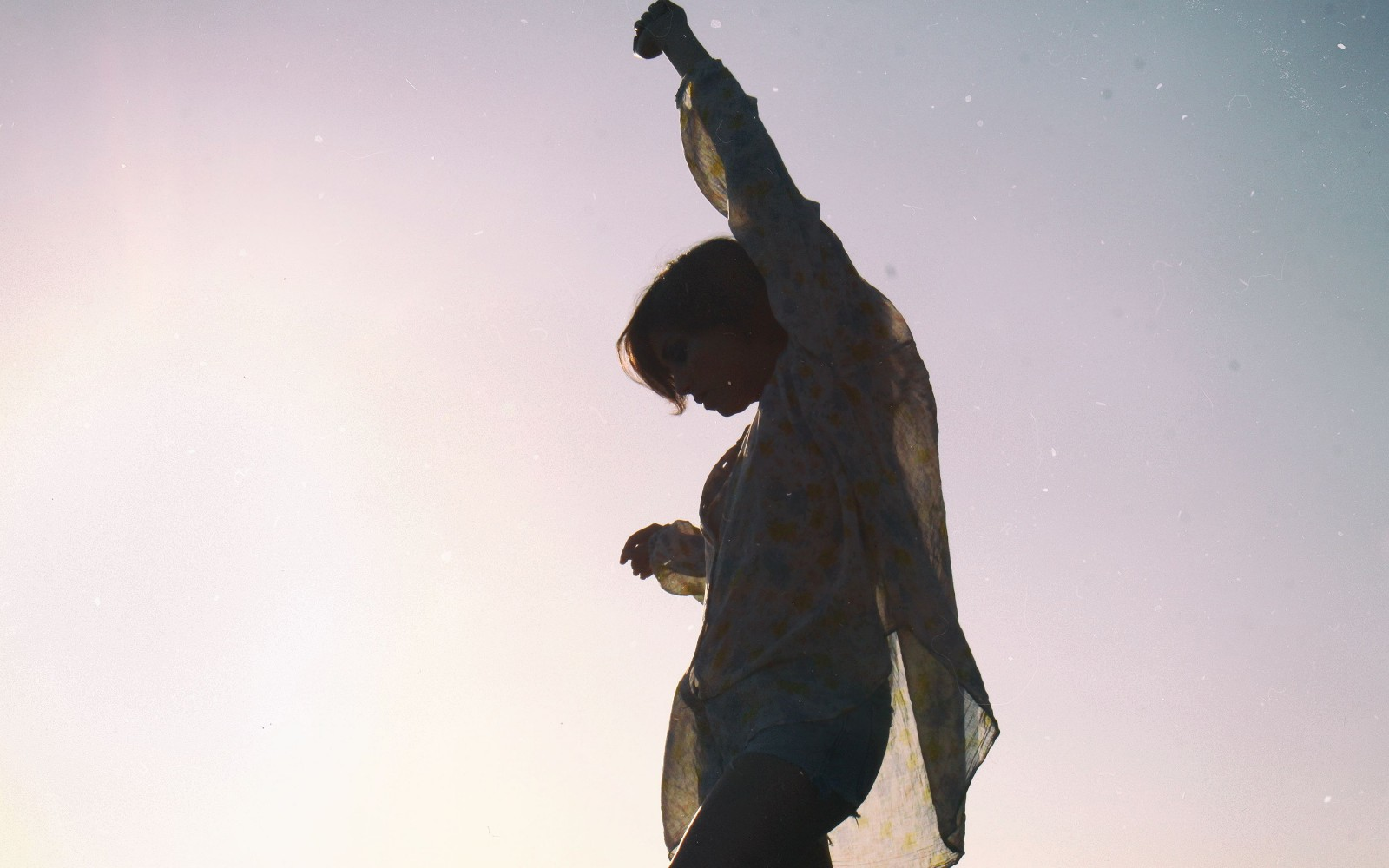 17 Reminders To Cast Your Worries Aside And Live In The Moment